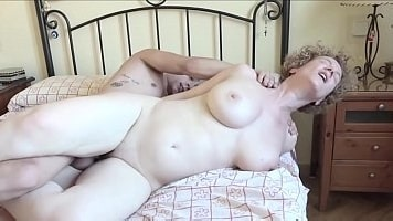 Pale Skin Milfy Mom Fucks With Young Son