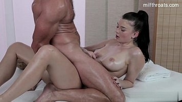 Sexy Wife Amazing Deepthroat Blowjob After Sensual Massage